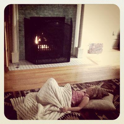 Bee+fireplace