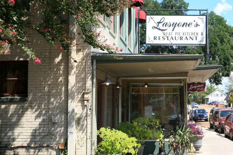 Lasyone's