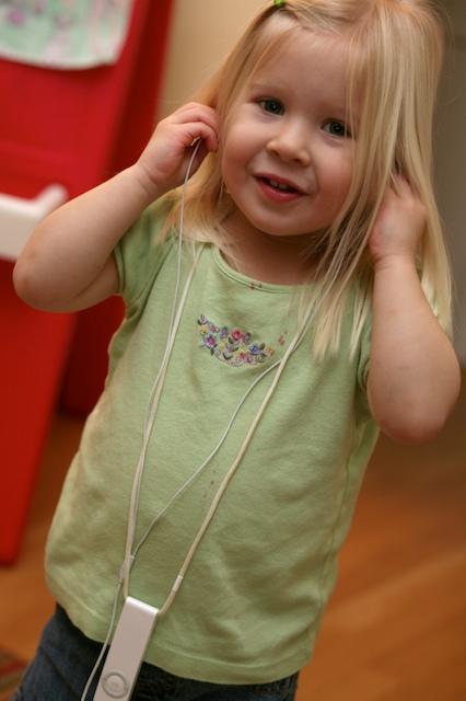 iPod Girl   1.3.08