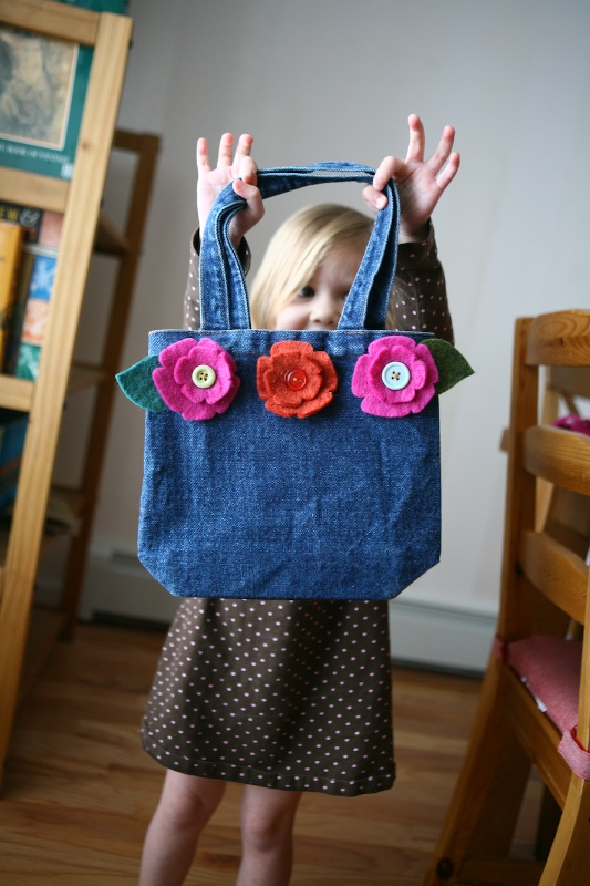 15/52 | The Lucky Lily Purse